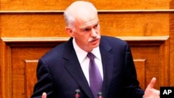 希臘總理帕潘德里歐星期三贏得了關鍵性的議會信任投票。