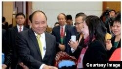 Thủ tướng Nguyễn Xuân Phúc gặp gỡ kiều bào.