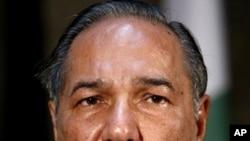 Pakistani Defense Minister Chaudhry Ahmed Mukhtar (file photo)