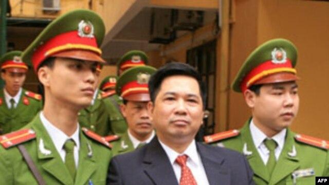 TS Cù Huy Hà Vũ bị tuyên phạt 7 năm tù giam, và quản chế 3 năm sau khi thọ án tù