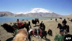 Qirg'iziston tillasi, turizmi, suv zaxiralari va AQSh sarmoyasiga tayanib oyoqqa turishi mumkin