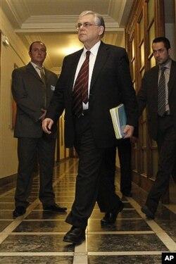 10일 아테네에서 그리스 재무장관 루카스 파파데모스