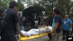 Militer Thailand mengatakan mendapat bocoran tentang rencana serangan itu, dan siap siaga menghadapinya sehingga tidak ada korban jatuh di pihaknya dalam baku tembak, sementara sedikitnya 16 penyerang tewas (foto, 13/2/2013).