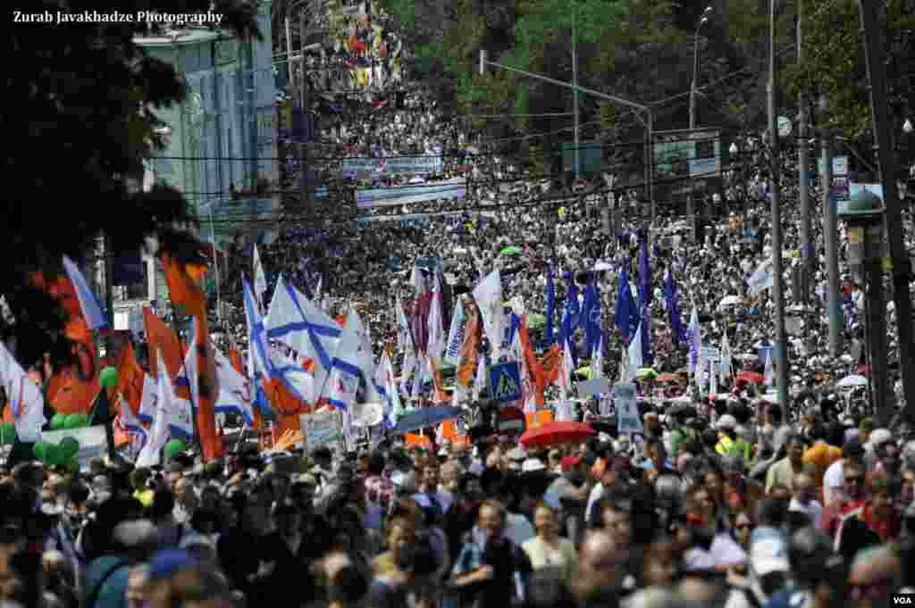 Шествие от Пушкинской площади к проспекту Сахарова