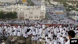 Mbi 2 milionë myslimanë në ritualet e haxhillëkut