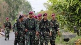 Tổng thống Susilo Bambang Yudhoyono mới đây đã ban hành một chỉ thị cho phép quân đội trợ giúp cảnh sát trong việc ứng phó với những vụ xung đột giữa các cộng đồng dân cư.