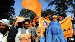 Sinh viên Afghanistan xuống đường biểu tình tại Herat phản đối gian lận bầu cử.