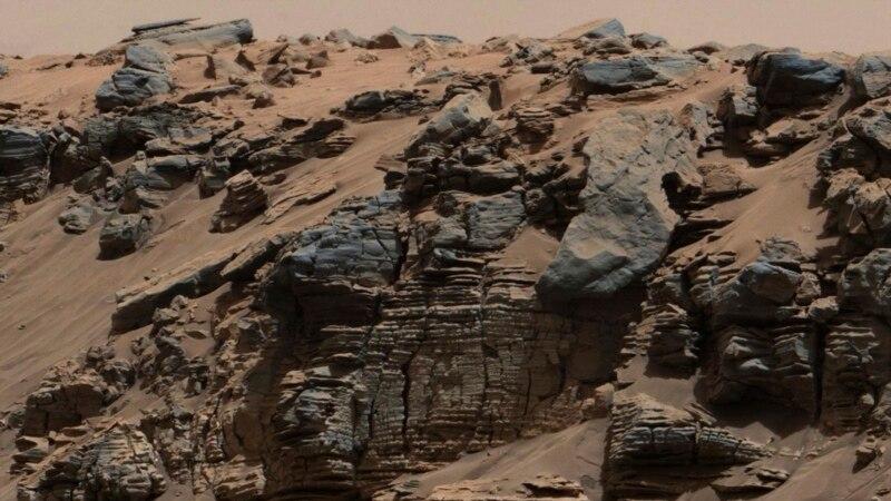 مریخ پر زیر زمین جھیلوں کی موجودگی کے شواہد