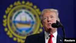 Rais wa Marekani Donald Trumpakitoa hituba huko Manchester New Hampshire juu ya kupambana na tatizo la matumizi mabaya ya madawa, Machi 19, 2018.