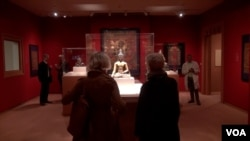 纽约大都会博物馆展示最新西藏尼泊尔收藏品(美国之音方方拍摄)