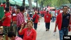 Para demonstran kaos merah masih meneruskan unjuk rasa di Bangkok, 18 Mar 2010.