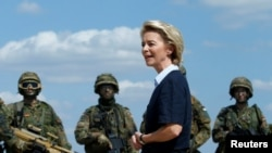 Menteri Pertahanan Jerman, Ursula von der Leyen di Niederstetten, Jerman, 20 Agustus 2018. (Foto: dok).