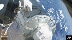 بین الاقوامی خلائی سٹیشن پر مشاہداتی عرشے کی تنصیب