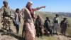 نخستین ولسوال زن در بلخ در خط نبرد با طالبان میجنگد