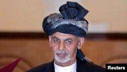 رئیس جمهور افغانستان گفت که جنگ راه حل مشکلات افغانستان نیست و هر اختلاف سیاسی باید از طریق مفاهمه حل گردد.