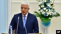 Arhiva - Premijer Crne Gore Duško Marković na Cetinju 28. aprila 2017. (AP Photo/Risto Bozovic)