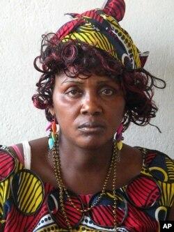 Viúva Teresa Filomena Tyaenda, do Namibe