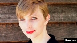 Cô Chelsea Manning.