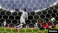 """Las """"Súper Águilas"""" propinaron la primera goleada del torneo a una débil Tahití que no supo cómo controlar la ofensiva africana."""