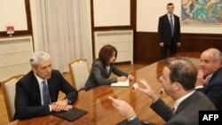 Predsednik Srbije Boris Tadić i glavni tužilac Haškog tribunala Serž Bramerc tokom susreta u Beogradu