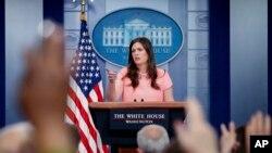 Juru bicara Gedung Putih, Sarah Huckabee Sanders di Gedung Putih, Washington (5/5).
