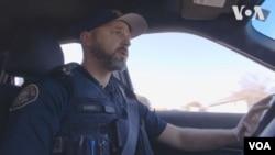 Поліцейський Аді Ремік