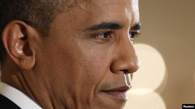 Tổng thống Obama thuộc đảng Dân chủ hy vọng rằng các nhà lãnh đạo các công ty quốc tế nổi tiếng và nhiều công ty khác sẽ ủng hộ ông kêu gọi vừa giảm chi vừa tăng thuế. (REUTERS/Kevin Lamarque)
