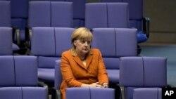 Prior to European Union summit, German Chancellor Angela Merkel at German Federal Parliament, Berlin, Oct. 18, 2012.