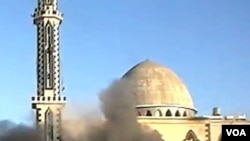 Activistas sirios denunciaron este jueves que sólo en Homs han muerto más de 20 personas por los bombardeos.