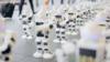Robot xếp hàng mua iPhone 7