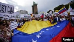 """Miles de venezolanos salieron a las calles este primero de mayo para apoyar al presidente encargado Juan Guaidó, que convocó a la """"Marcha más grande de la historia""""."""