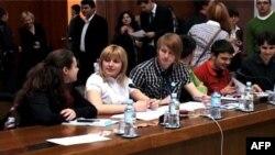 Učesnici konferencije o evropskoj perspektivi mladih iz Srbije