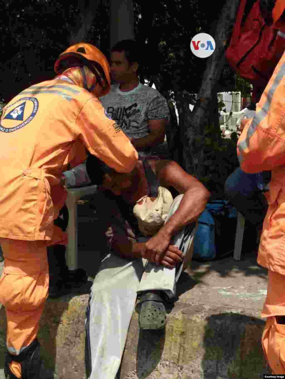 Los actos violentos han impedido la entrega de la totalidad de la ayuda humanitaria, y se reportan varios heridos en el Puente Internacional Simón Bolívar, ubicado entre Colombia y Venezuela.