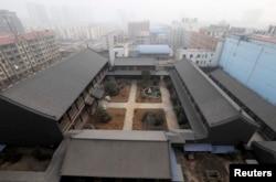 曾担任解放军总后勤部副部长的谷俊山在河南的未建造完的大宅(2014年1月19日)