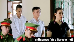 Ba trong số các bị cáo tại toà ở Hà Tĩnh hôm 14/9, (từ trái) Nguyễn Quốc Thành, Trần Đình Trường và Nguyễn Thị Thuý Hoà, nhận án tù từ 5 năm đến 7 năm 6 tháng. (Ảnh chụp màn hình VnExpress)