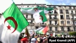 Les manifestants algériens ne lâchent pas