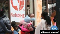 RefuSHE, membantu program pembelajaran bagi perempuan dan anak perempuan pengungsi di Kenya (Photo: VOA/videograb)