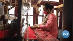 In North India, Artisans Weave a New Garment to Woo Customers