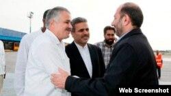 El vicepresidente de Irán, Ali Saeidlo (derecha), es recibido en La Habana, este lunes 28 de mayo de 2012.