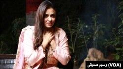 نادیہ خان