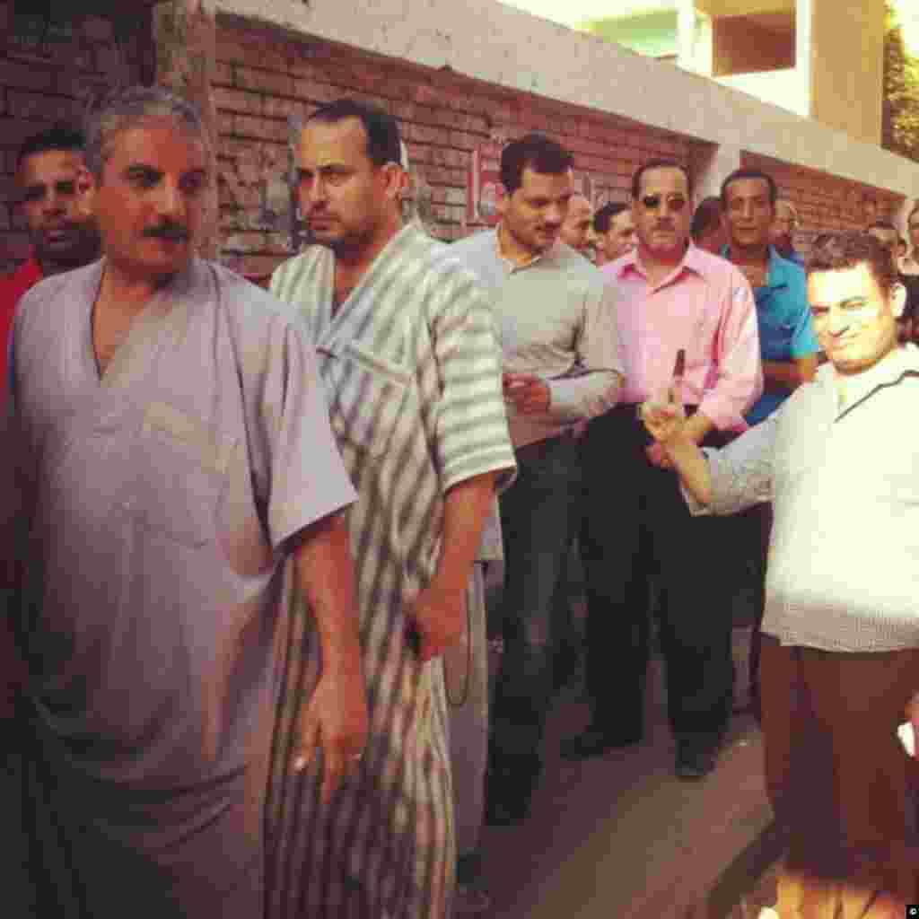 A queue of Egyptian votes at a polling station in Shubra on June 16th, 2012.