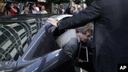 21일 그리스 구제 금융 협의차 아테네를 방문하 폴 톰슨 국제통화기금 대사.