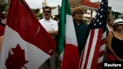 Algunos pequeños comerciantes aseguran que el TLC entre EE.UU., Canadá y México, conocido como NAFTA, ha perjudicado a sus negocios.