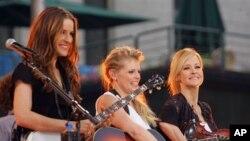 2006년 뉴욕에서 공연을 하는 Dixie Chicks