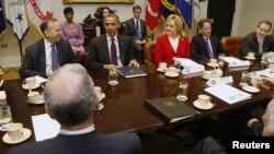 Presiden Barack Obama mengadakan pertemuan dengan beberapa Gubernur negara bagian AS di Gedung Putih, Selasa (4/12).