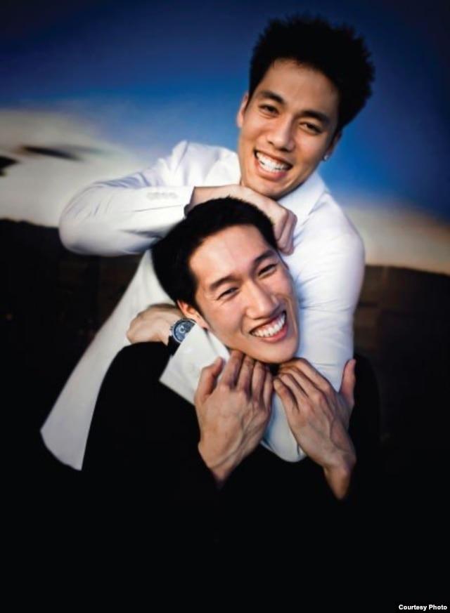 Đặng Di và Đặng Hạc từ năm 2004 đến nay kiếm được hơn 15 triệu đôla nhờ đánh xì-phé online.