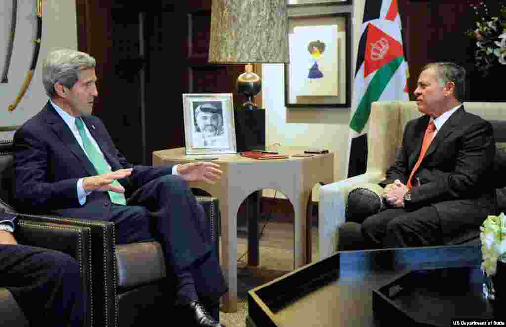 U.S. Secretary of State John Kerry speaks with King Abdullah II of Jordan at Al Hummar Palace in Amman, Jordan, at the outset of talks on November 7, 2013, that focused on Middle East issues.