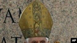 Đức Giáo Hoàng Benedict XVI cử hành ngày Chúa Nhật Lễ Lá tại Quảng trường Thánh Phêrô ở Vatican, ngày 17/4/2011