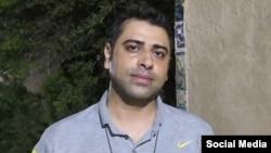 اسماعیل بخشی، فعال کارگری و از کارگران نیشکر هفتتپه، که بازداشت شده است.