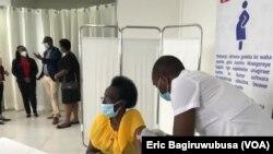 Abanyarwanda bamaze icyumweru bikingiza Covid-19